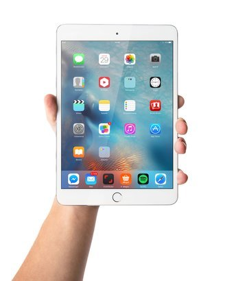 man's hand holding the iPad mini 3