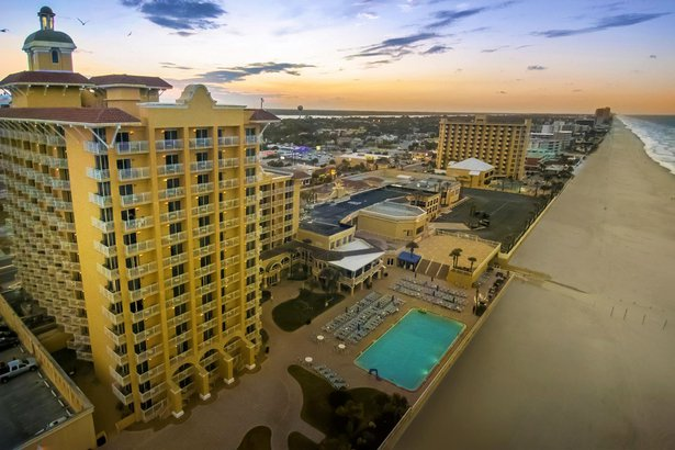 Plaza Resort & Spa in Daytona Beach, FL