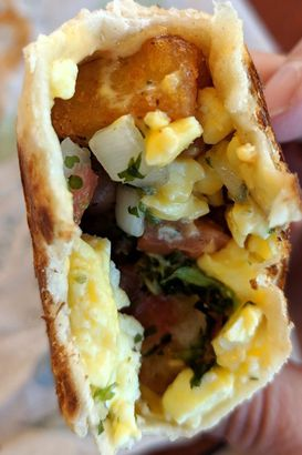 buy online bc8dc 9ff89 Taco Bell, Grilled Breakfast Burrito Fiesta Potato