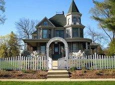 344 Freemont St., Woodstock, IL