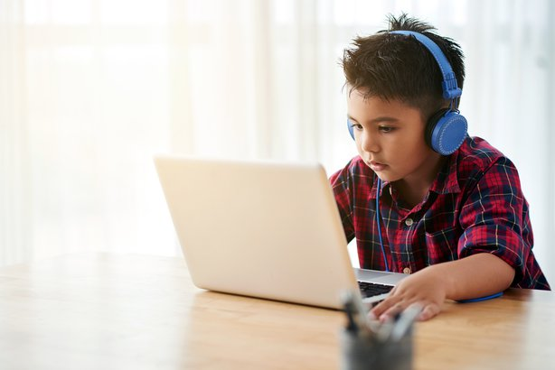 How to Monitor You Child's Texts and Online Activity