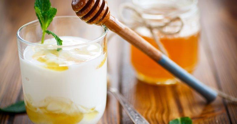 Greek Yogurt with Honey and Cinnamon