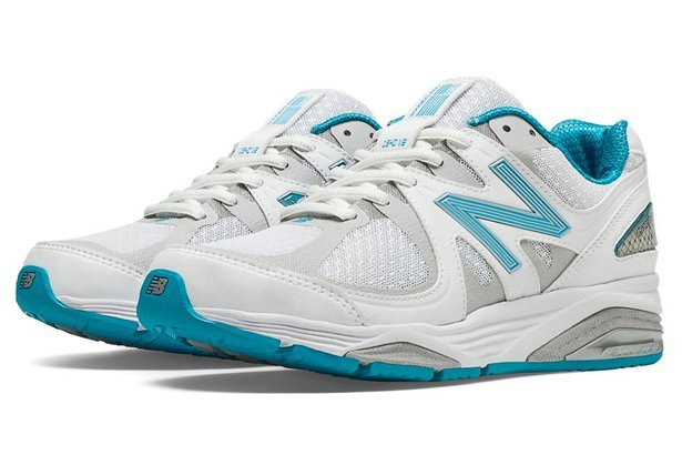 low priced 79fc3 56822 New Balance Shoes