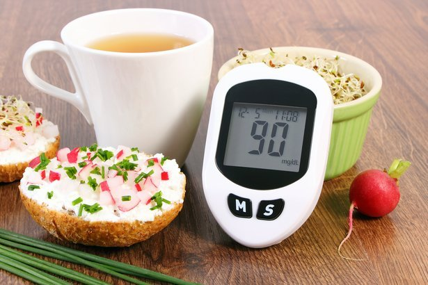 glucose meter with good result with vegetarian sandwich with cottage cheese, vegetables, and alfalfa sprouts
