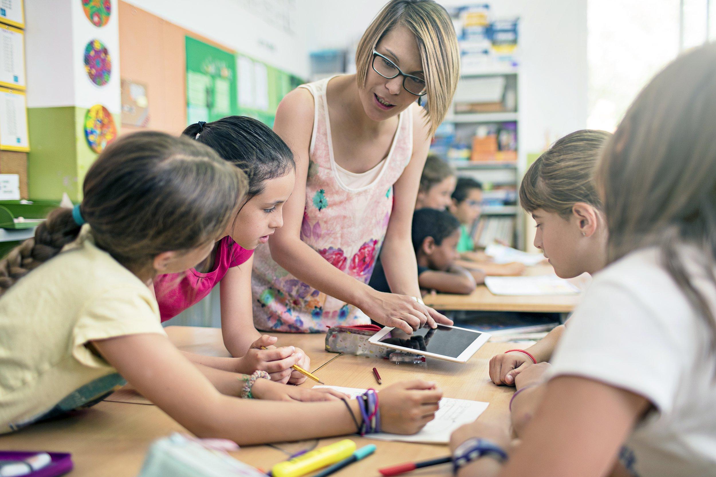 050418_teachers_pay_around_the_world_slide_17_f.original.jpg
