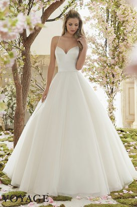 9b7623c2db207 Where to Find Cheap Wedding Dresses Under $500 Online | Cheapism.com