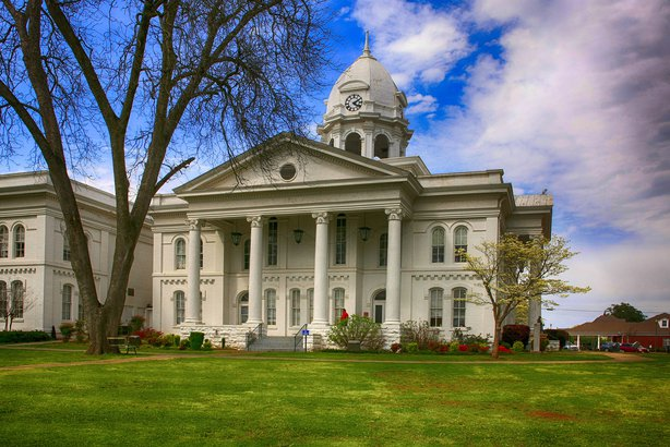 The Colbert County Courthouse in Tuscumbia, Alabama