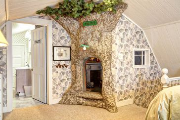 Vacation Rentals with Secret Rooms and Hidden Passages   Cheapism.com