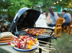 052417_best_charcoal_grills_for_less_than_400_slide_0_fs