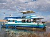 houseboat on Lake Powell in Utah