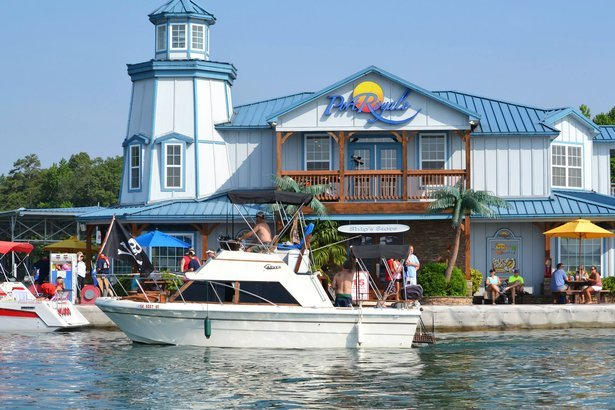 21 Best Places For A Houseboat Vacation Cheapism