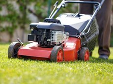 060517_compare_cheap_mowers_slide_0_fs