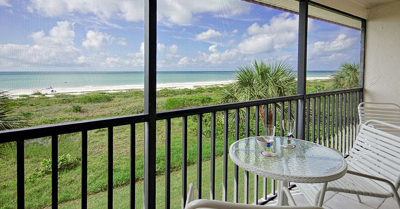 Beautiful Direct Gulf Front Condo, Sanibel Island, Florida