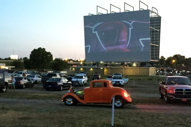 16 Of The Best Drive In Movie Theaters In America Cheapism Com