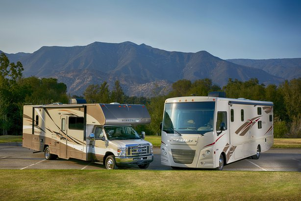 Winnebago Vista and Mini Winnie 2017 models