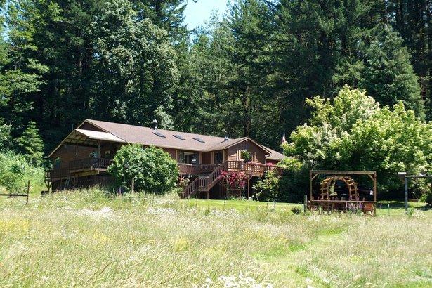 Colibri Gardens in Washougal, Washington