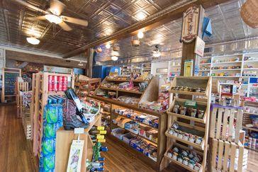 Best Convenience Stores & Mini-Marts for Road Trip Rest