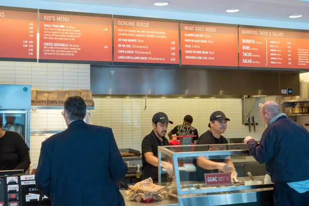 customers served in line in Chipotle