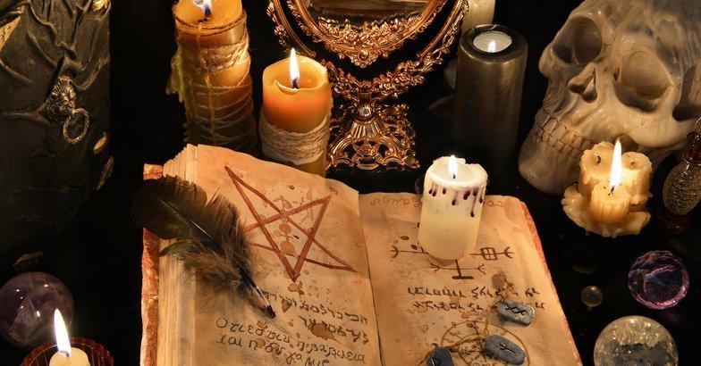 Wiccan paraphernalia