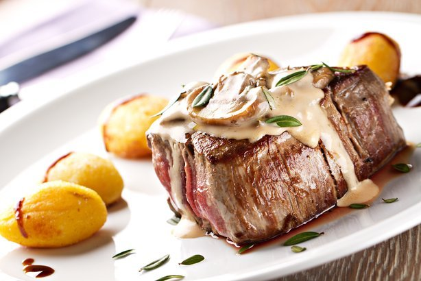 fillet of beef with champagne mushroom sauce