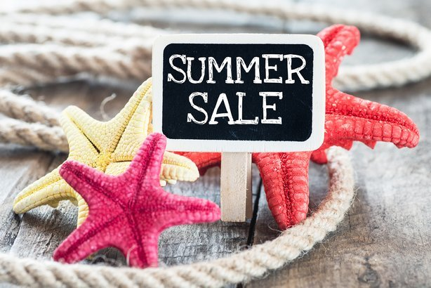 summer sale with starfish and rope