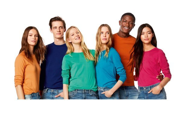 United Colors of Benetton ad with mix of young people