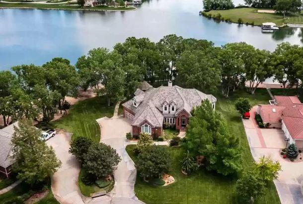 Kansas waterfront home