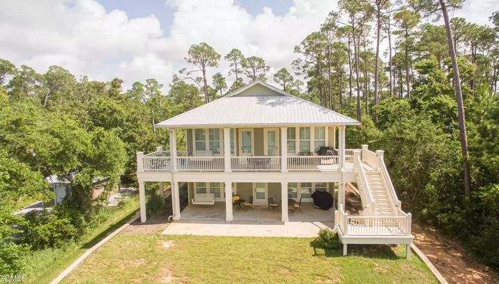Mississippi waterfront home