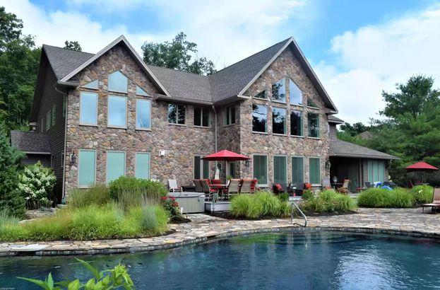 Pennsylvania waterfront home