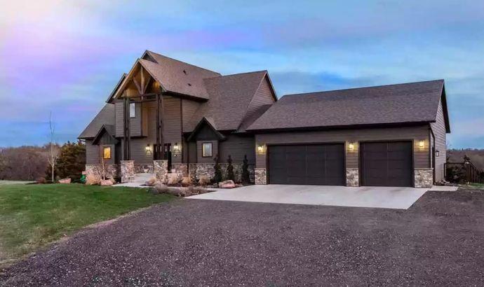 South Dakota waterfront home