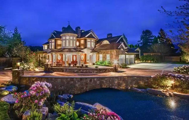 Washington waterfront home