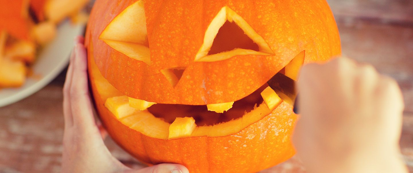 12 Cool Jack O Lantern Designs To Make Your House Stand Out