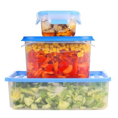tupperware storage with vegetables