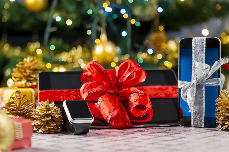 25 Great Tech Gifts Under $250 | Cheapism com