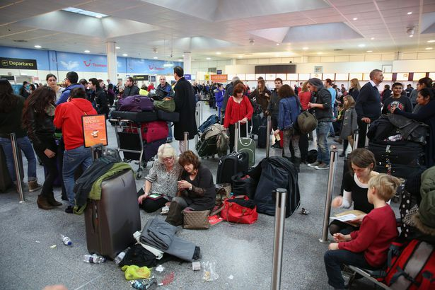 12 Holiday Travel Nightmares You Won T Believe Cheapism Com