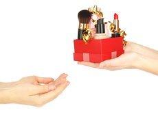111716_beauty_gifts_under_25_slide_0_fs