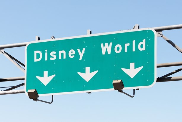 road sign in Orlando, Florida pointing to the Walt Disney World Resort