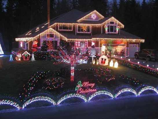 50 Christmas Light Displays to Brighten the 2016 Holidays | Cheapism