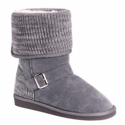 ecfc08653d9 Best Winter Boots for Men, Women & Kids | Cheapism.com