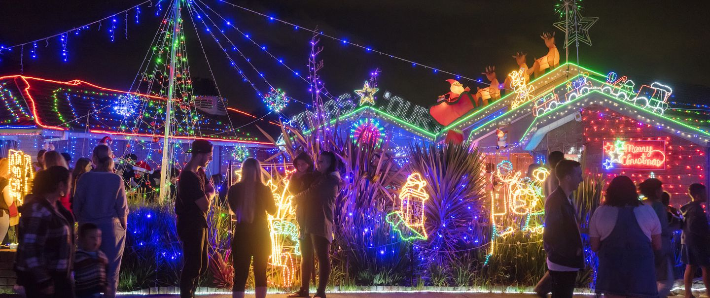 Best Places To See Christmas Lights In Every State Cheapism Com
