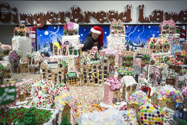 39a38d8cffd66e 12 Must-See Gingerbread Houses Across North America