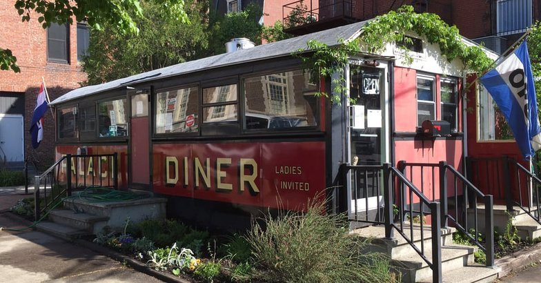 Have A Meal At The 50 Oldest Restaurants In America Cheapism