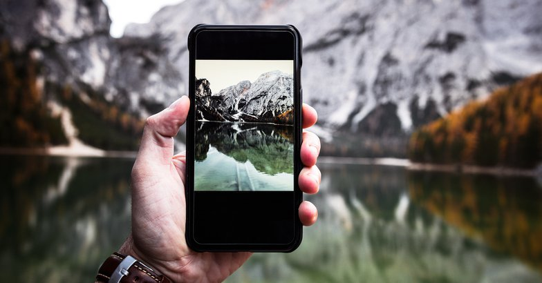 How To Take Better Vacation Pictures With Your Cell Phone