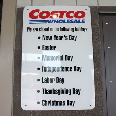 Costco hours sign