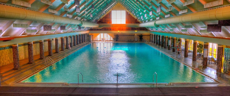 50 Indoor Pools Across America | Cheapism.com