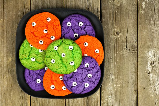 Monster eyeball cookies