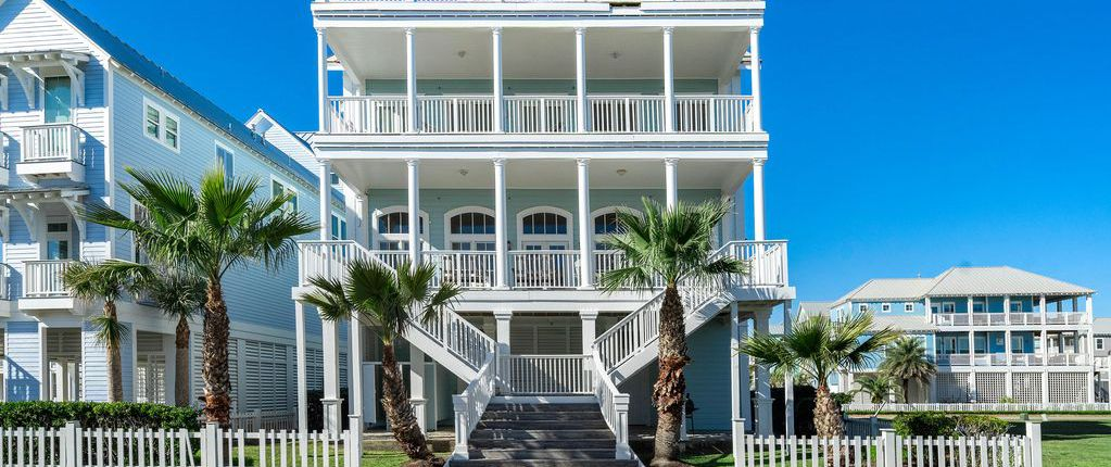 30 Jaw Dropping Yet Affordable Mansions For Rent Cheapism Com