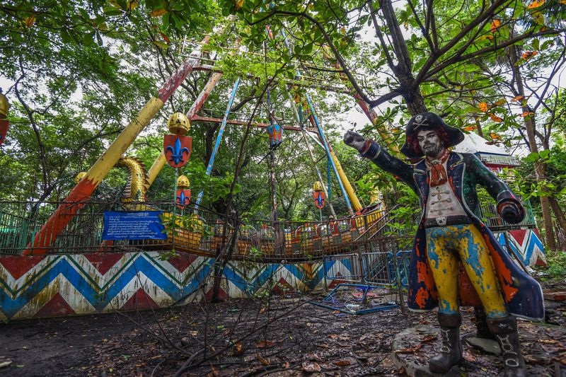 Eerie Abandoned Theme Parks That Totally Creep Us Out