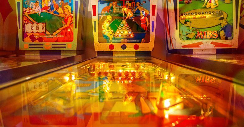 Pinball arcade games