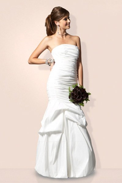 Jessica mcclintock wedding dress outlet wedding cheap wedding dresses finding a dress under 500 cheapism jessica mcclintock ne sax wedding gown by voilavintage junglespirit Image collections